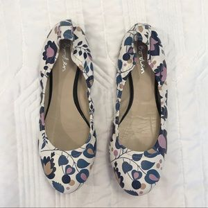 Woman's flats, size 7.5
